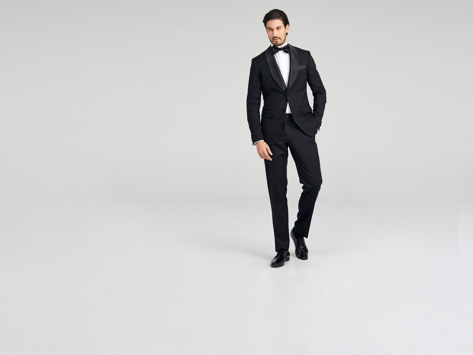 Highworth Black Dinner Jacket