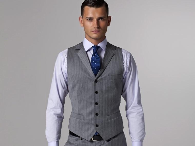 Vincero Light Gray Herringbone Three-Piece Suit