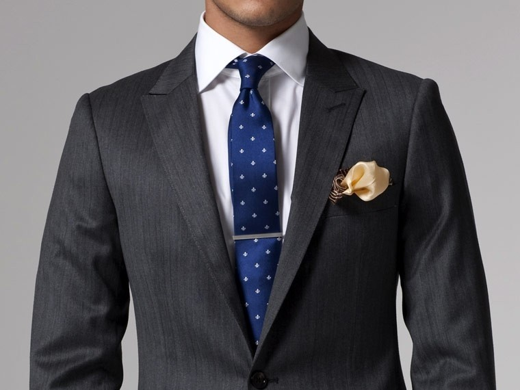 Vincero Dark Gray Herringbone Suit 2